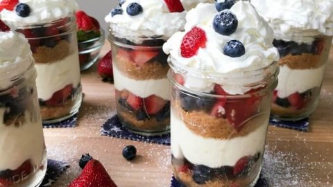 No Bake Mason Jar Berry Cheesecake Trifle