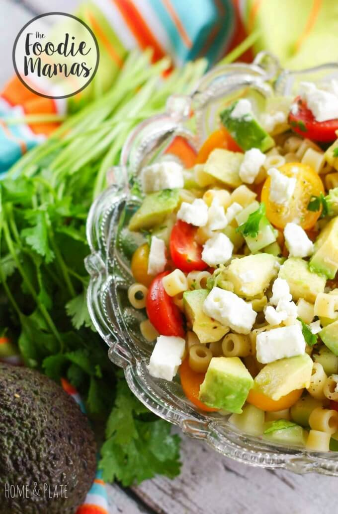 Greek Avocado Pasta Salad - Ali Randall | Home & Plate #FoodieMamas