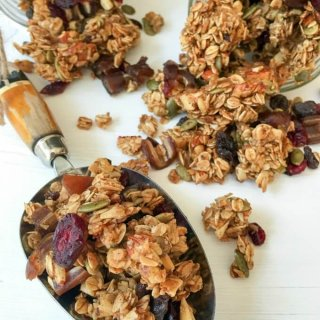 Homemade Autumn Harvest Fruit and Nut Granola