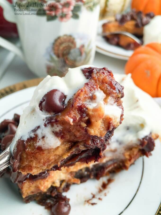 ? These Pumpkin Pie Butterfinger Brownie Bars have a bottom layer of perfect brownie with Butterfinger morsels, a layer of classic pumpkin pie then topped with semi-sweet chocolate morsels and served with Vanilla Whipped Cream to make an easy & delicious dessert bar! #ad #BakeHolidayGoodness #CollectiveBias @Walmart @Nestle