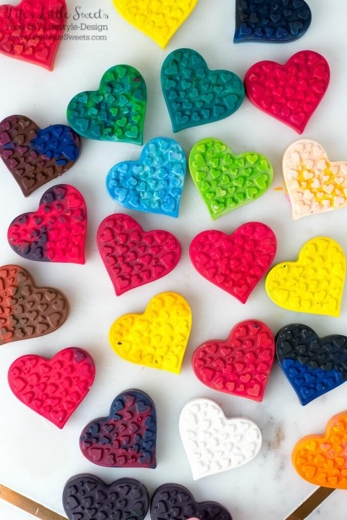 DIY Heart-Shaped Crayons are an easy, kids activity craft to do for Valentine's Day. You can put those old, broken crayons that you've been collecting to good use and teach your child about recycling. Make these to include with Valentine's Day cards or as a gift for the school room or for a special friend. ❤