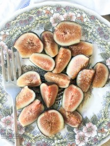 Fresh Figs with Agave Syrup are a light and sweet way to enjoy fresh figs for this upcoming fig season. Substitute agave for honey and/or add feta or Gorgonzola cheese crumbles if you wish!