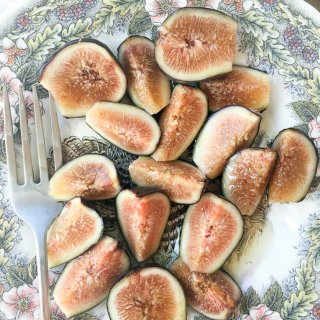 Fresh Figs with Agave Syrup