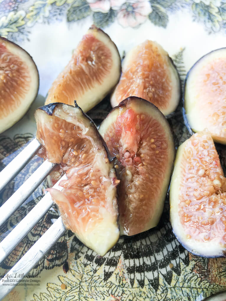 The perfect snack! | Fresh Figs with Agave Syrup are a light and sweet way to enjoy fresh figs for this upcoming fig season. Substitute agave for honey and/or add feta or Gorgonzola cheese crumbles if you wish! www.lifeslittlesweets.com