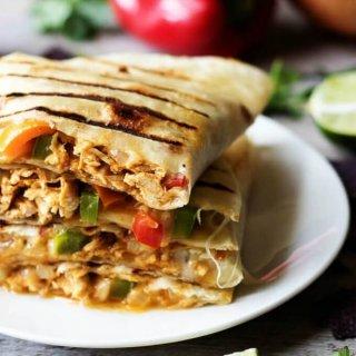 Grilled Cheesy Chicken Fajita Quesadillas