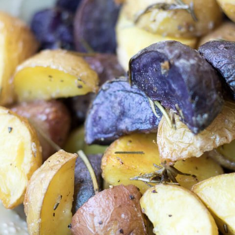 Roasted Rosemary Potatoes www.lifeslittlesweets.com