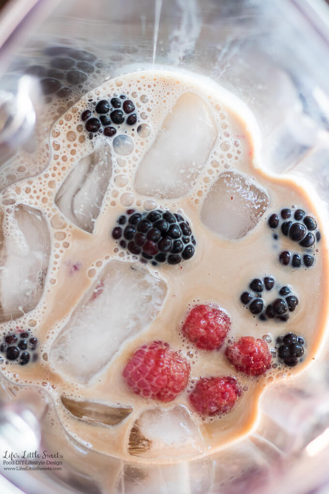This Summer Berries Sweet Cream Coffee Frappe is the perfect sweet, refreshing and frozen drink for 4th of July or anytime during the Summer! #ad #collectivebias #FrappeYourWay