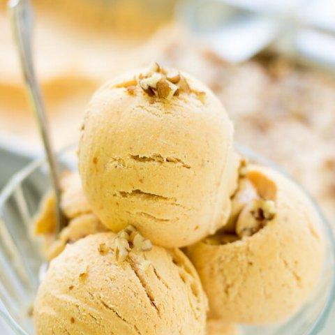 Easy No-Churn Pumpkin Spice Ice Cream