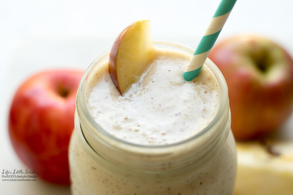 This Apple Cinnamon Date Smoothie is a frosty, sweet, filled with fresh apples and a delicious way to start the Fall!