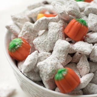 Homemade Pumpkin Spice Muddy Buddies