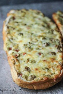 Jalapeño Olive Cheese Bread