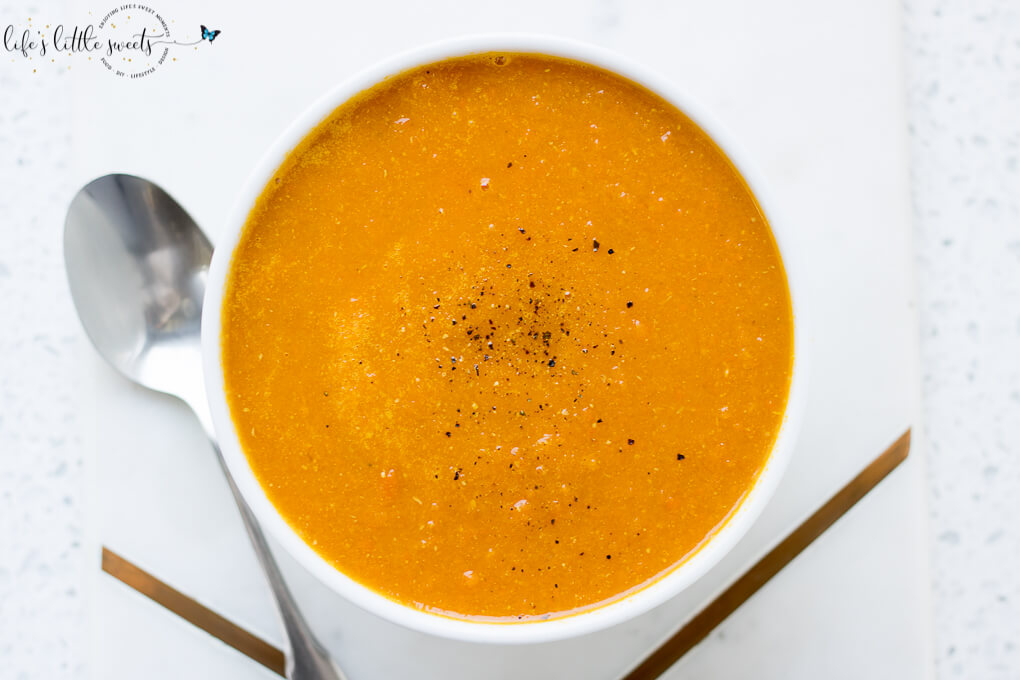 This Homemade Carrot Ginger Soup recipe is healthy, delicious and good for you. It's loaded with healthy carrots, onions, garlic, celery and ginger. (vegan, gluten-free, traditional option) #ginger #carrots #celery #yellowonions #vegetablestock #vegan #glutenfree #healthy #soup