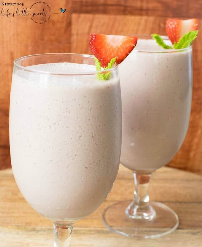 This plant based Chocolate Strawberry Lassi is a great alternate to an Indian yogurt drink. It is so hydrating along with being creamy and refreshing. #strawberry #vegan #glutenfree #lassi #chocolate #drink #mint