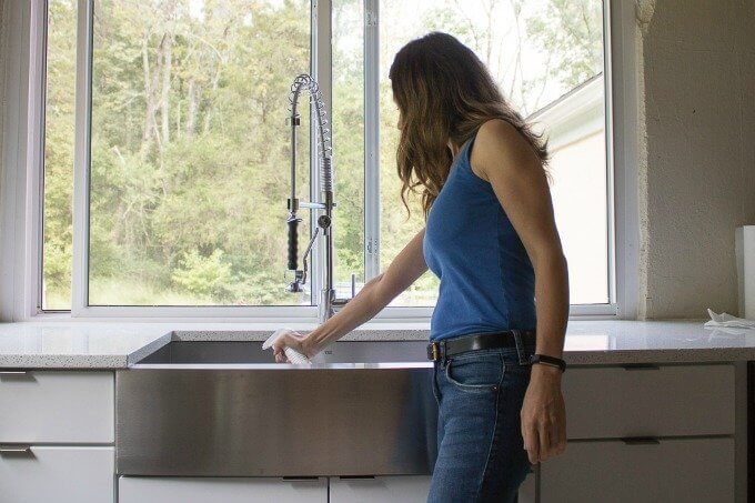 I'm sharing a tutorial on How To Clean a Stainless Steel Farmhouse Sink, I break down the steps with some help from Scott® Paper Towels! #ad #FamilyCountsOnClean #KeepLifeRolling #CollectiveBias @sofablife