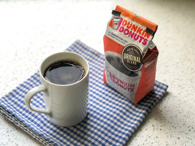 How to Save Time in the Morning - Let's get caught up and talk morning routines...I'm sharing some time-saving tips for the morning! #MyInspiredFall #DunkinAtHome #CollectiveBias #ad