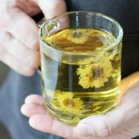 How to Make Chrysanthemum Flower Tea