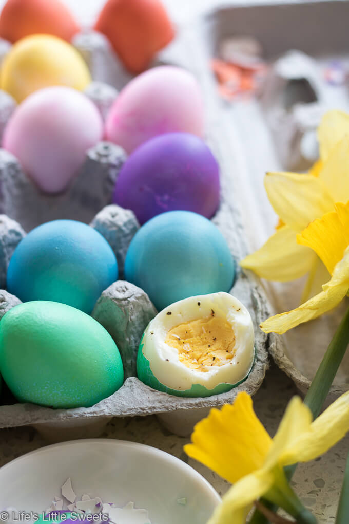 How to Make Dyed Easter Eggs