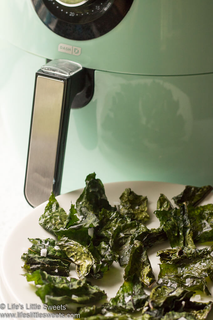 Air Fryer Kale Chips www.lifeslittlesweets.com