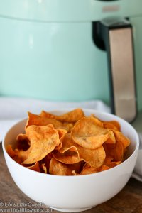 Air Fryer Sweet Potato Chips www.lifeslittlesweets.com
