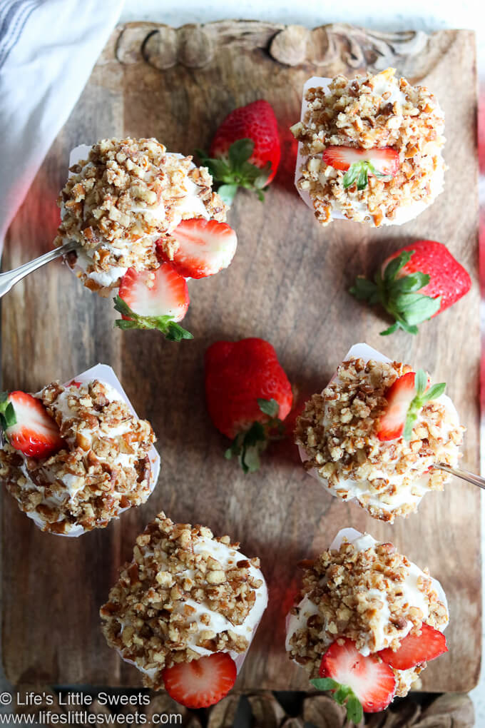 #ad - This Strawberry Pretzel Salad Parfait has all the flavors of a traditional Strawberry Pretzel Salad recipe in an easy-to-make, no-bake parfait. It has Strawberry SUPER Snack Pack Juicy Gels topped with a creamy, fluffy whipped topping and crunchy savory-sweet crushed pretzels and fresh strawberry slices. It's perfect for serving as an after-school snack or at a gathering. #schoolsnacktime #CollectiveBias @originalsnackpack @Walmart