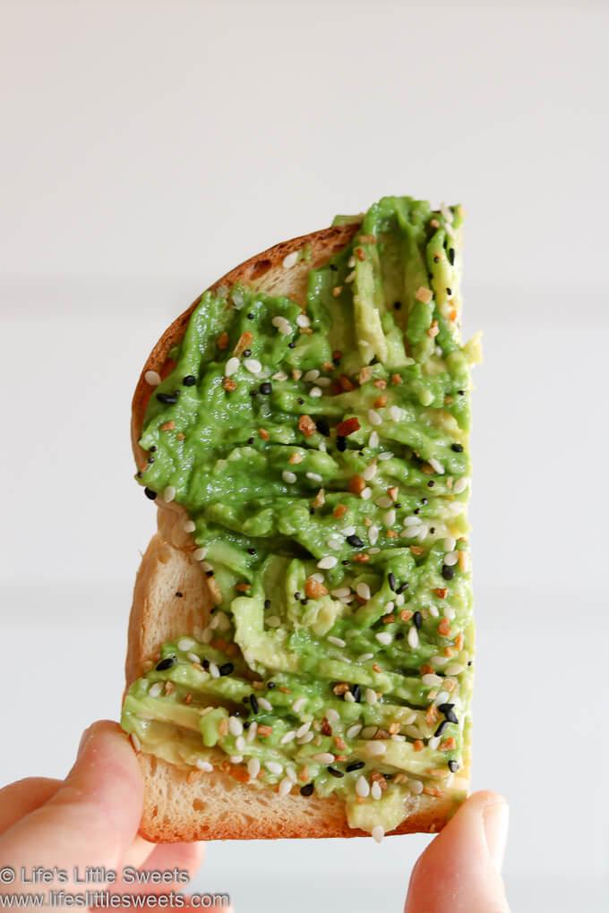 Everything Bagel Seasoned Avocado Toast www.lifeslittlesweets.com