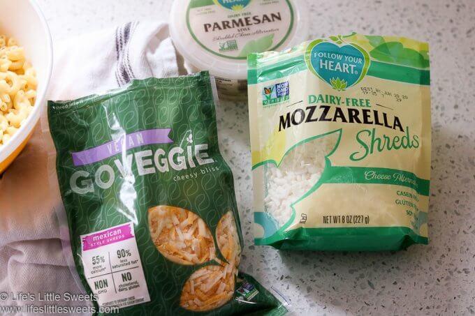 Vegetarian Mac n Cheese Recipe www.lifeslittlesweets.com