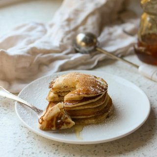 cropped-Buttermilk-Pancakes-Recipe-www.lifeslittlesweets.com-IMG_2220.jpg