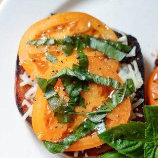 cropped-Tomato-Basil-Mozzarella-Bagel-Toast-2020-08-29_13.38.20.jpg