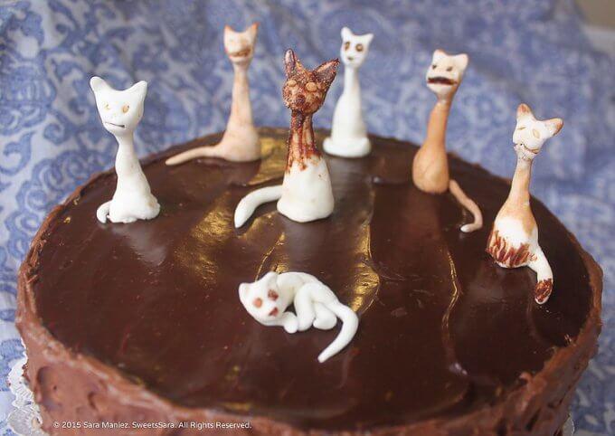 Fondant Felines Chocolate Cake cat decorations