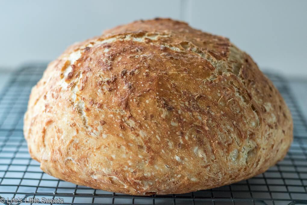 No-Knead Oatmeal Bread with crispy crust